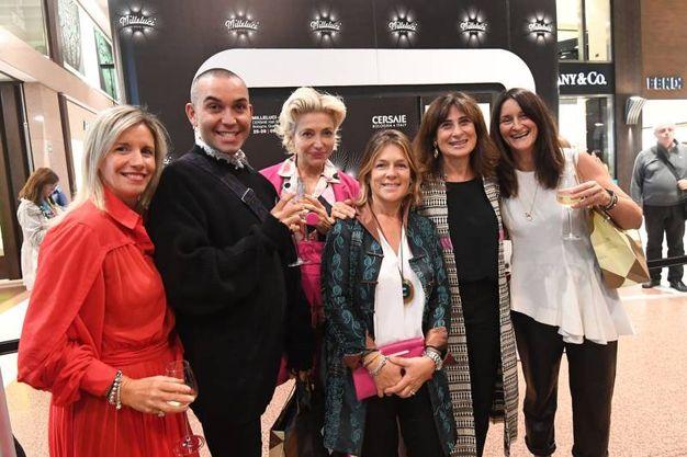 Taglio del nastro per la mostra collettiva Milleluci in Galleria Cavour (foto Schicchi)