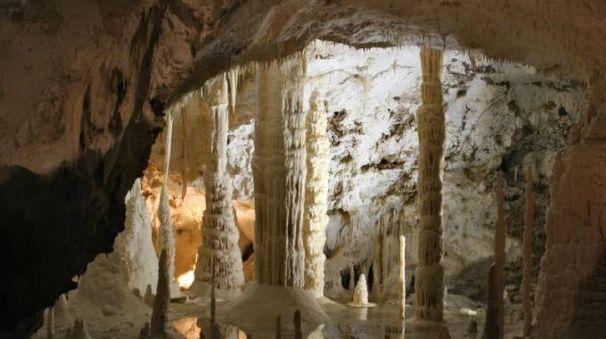 Grotte di Frasassi Foto @Wikipedia