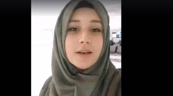 Nadia Bouzekri in un frame del video pubblicato su Facebook