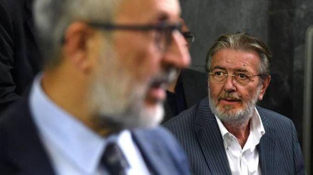 Piero Di Caterina e alle sue spalle Filippo Penati