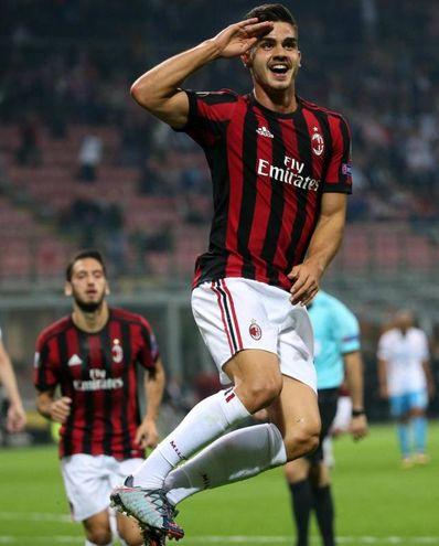 Milan-Rijeka, l'esultanza di Silva dopo il gol dell'1-0 (foto Ansa)