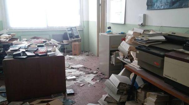 La scuola devastata