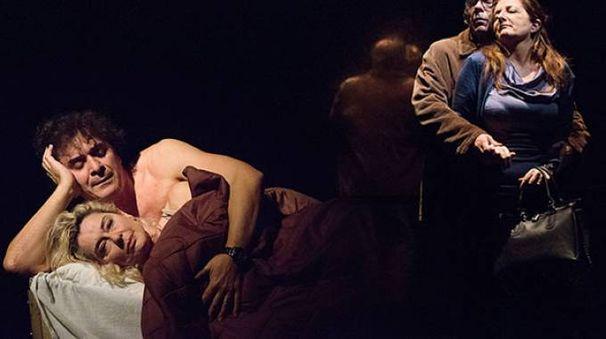 """Una scena di """"Mariti e mogli"""" con Guerritore e Reggiani, uno degli spettacoli in programma"""