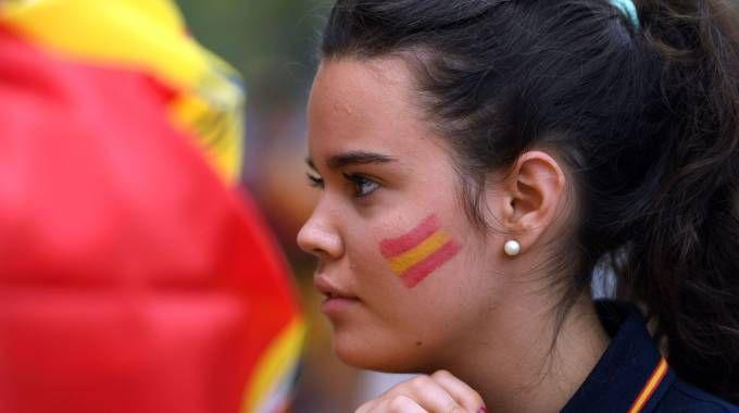 Protesta contro il referendum sull'indipendenza della Catalogna (Afp)