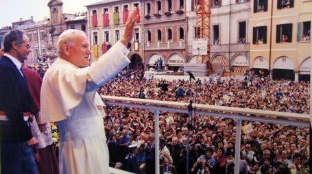 L'accoglienza a papa Wojtyla a Cesena