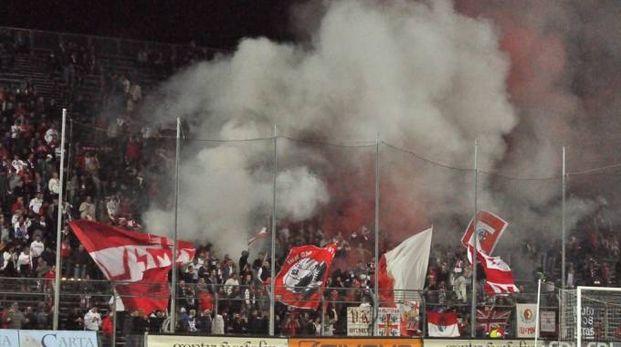 """I tifosi biancorossi sperano di festeggiare la prima vittoria stagionale al """"Martelli"""""""