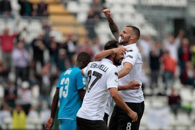 L'esultanza dopo il gol del 5-2 (foto LaPresse)