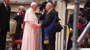 Il Papa col presidente della Provincia Davide Drei (Foto Ravaglia)