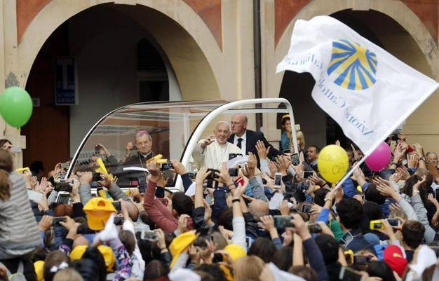 Il Papa in piazza del Popolo (Foto Ansa)