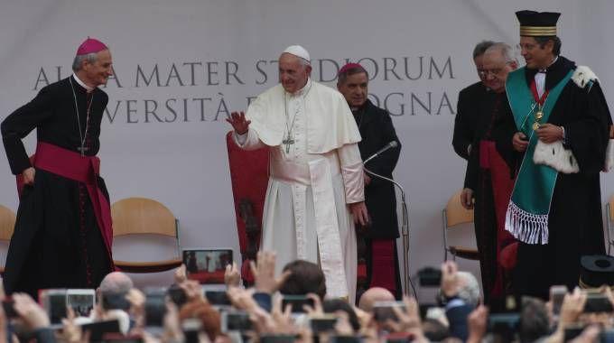 Papa Francesco in piazza San Domenico (Ansa)