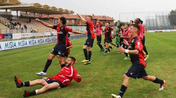 La gioia del Gubbio a fine gara (Gavirati)