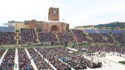 Lo stadio Dall'Ara gramito di fedeli (Schicchi)