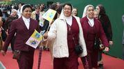 Le suore alla messa (Ansa)