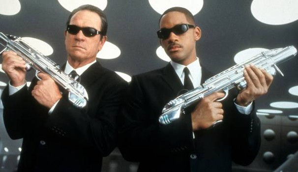 Will Smith e Tommy Lee Jones in 'Men in Black 2' – Foto: Sony Pictures