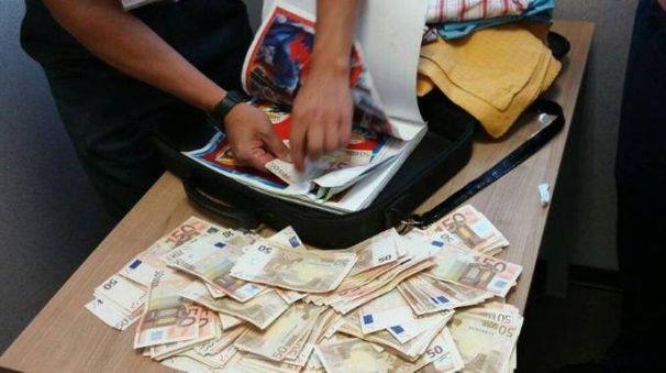 Valuta scoperta dalla Finanza a Malpensa