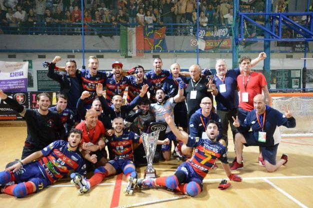 Hockey su pista, il Forte dei Marmi festeggia la vittoria della Supercoppa italiana (foto Umicini)
