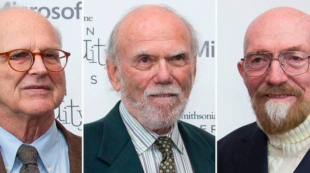 Da sinistra i Nobel per la fisica Weiss, Barish e Thorne (Afp)