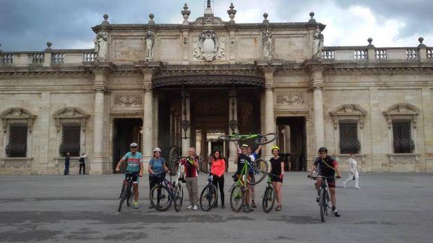 Foto di gruppo alle Terme Tettuccio di Montecatini  (foto di Mara Scollo)