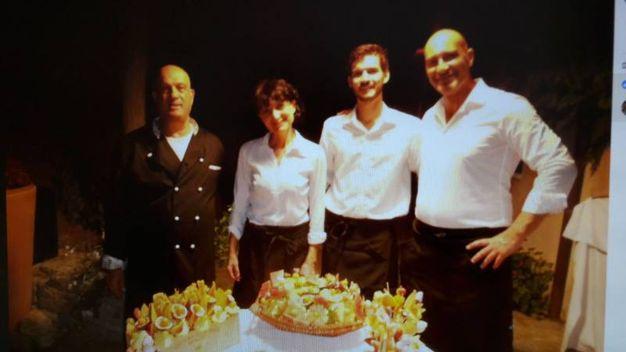 Massimo, Annamaria, Gianmarco Romeo e Nicola (Bar Mach 1, Campo nell'Elba)