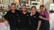 Nikolas, Giovanni Andrea, Valentina e Silvia (Bar La Venezia, piazza del Luogo Pio)