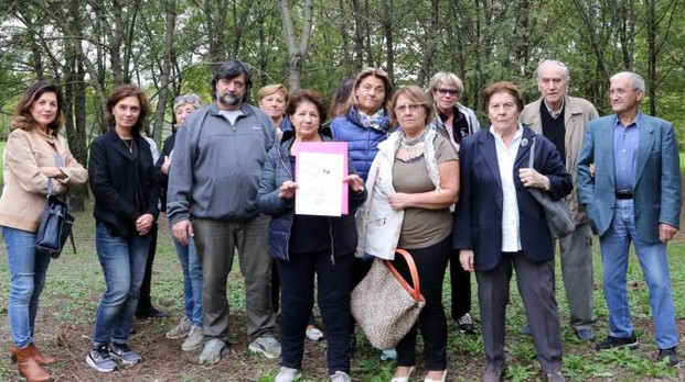 I residenti della Pescarola che si oppongono all'arrivo dei rom (Schicchi)