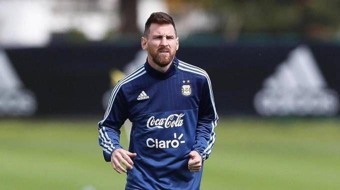 Messi in allenamento con la Nazionale argentina (Ansa)