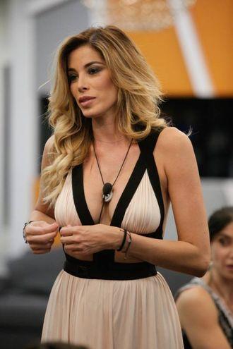 Aida Yespica bomba sexy nella Casa