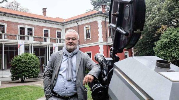 CINEFILO Paolo Castelli ha portato al successo il Busto Arsizio Film Festival che vanta anche  una sezione dedicata  alle scuole (Newpress)