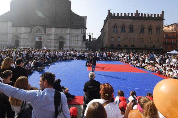 Sono 34 i pullman arrivati a Bologna (foto Schicchi)
