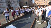 Tremila ragazzi in piazza Maggiore (foto Schicchi)