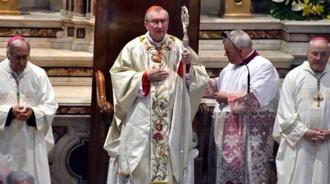 La Santa Messa al Duomo con il cardinale Parolin, il vescovo Santucci e altri sacerdoti