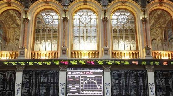 Borsa: Milano e Madrid deboli