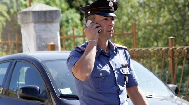 I carabinieri hanno arrestato un 26enne per tentata rapina, violenza privata e minacce (foto d'archivio)