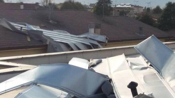 Uno dei tetti scoperchiati