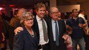 Pietro Maresca al centro con mamma e papà (Foto Schicchi)