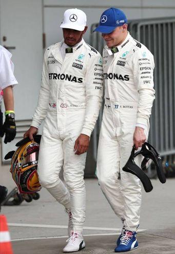 La soddifisfazione dei due piloti Mercedes (Afp)
