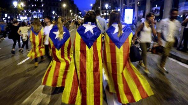 Catalogna, indipendentisti in piazza (Ansa)