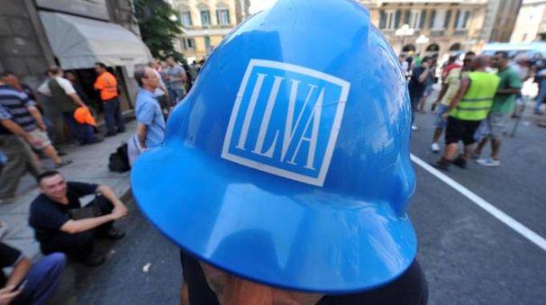 Una manifestazioni di operai dell'Ilva (Ansa)