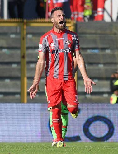 L'esultanza di Scappini dopo il gol (Liverani)