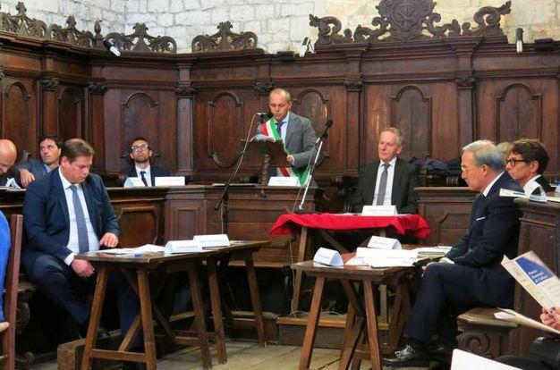 Premio Frontino: la giuria con il sindaco Andrea Spagna al centro (Foto Tiziano Mancini)