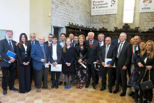 Premio Frontino 2017: foto di gruppo con tutti i partecipanti e la giuria (Foto Tiziano Mancini)