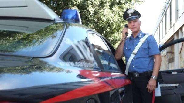 Il ragazzo violento è stato arrestato dai carabinieri