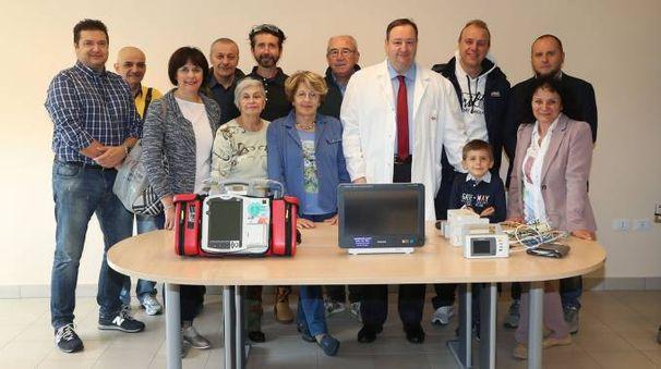 La consegna del monitor-defibrillatore