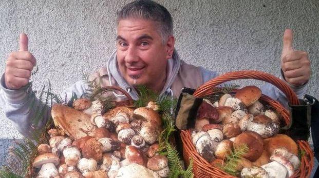 Giuseppe  De Moro  ha raccolto in una giornata 3 chili di funghi e ha vinto il campionato mondiale