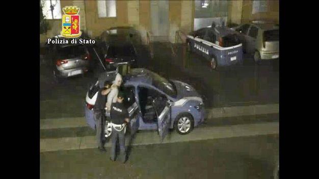 Il momento dell'arresto a Ferrara