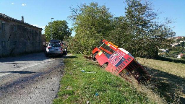 Grave incidente nel Fermano (foto Zeppilli)