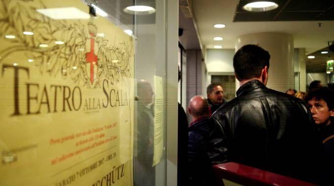 Vendita biglietti per la Prima della Scala (La Presse)