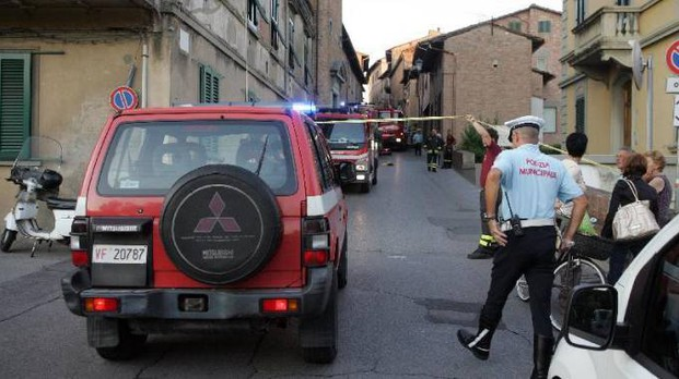 Vigili all'opera a San Miniato (foto d'archivio)