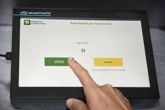 Con il voto elettronico è impossibile annullare la scheda (Ansa)