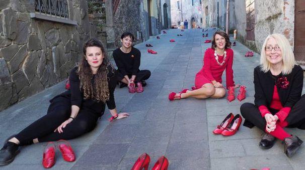 Daniela Casciari e Cecilia Malatesta (attrici) con Marina Pratici e Valentina Cosci